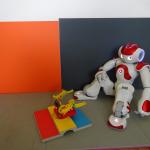 Роботът НАО
